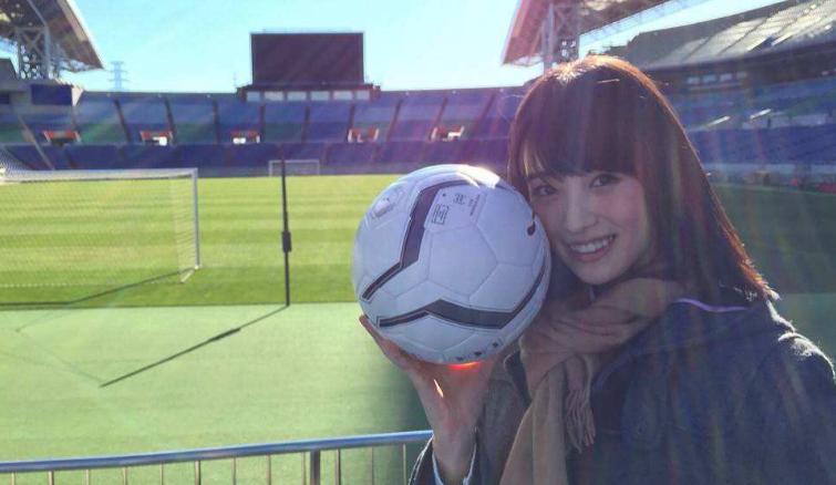 亚洲足球美女代表!日本高中应援经理高桥光