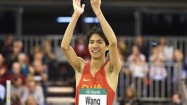 室内赛跳高征服2米34 王宇打破全国纪录