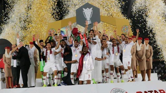 亚洲杯冠军卡塔尔队受表彰 队员可获公寓等奖励