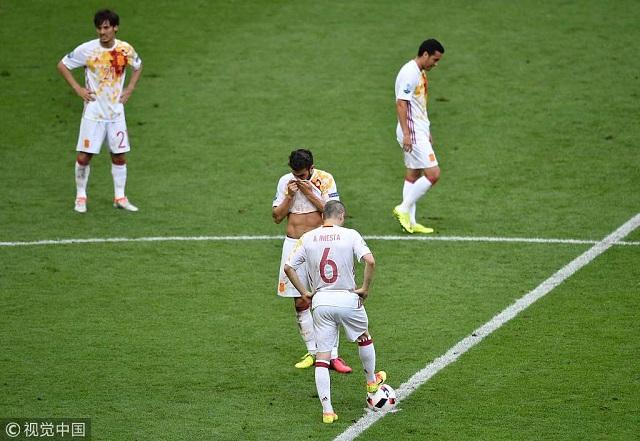 西班牙0-2意大利2.jpg